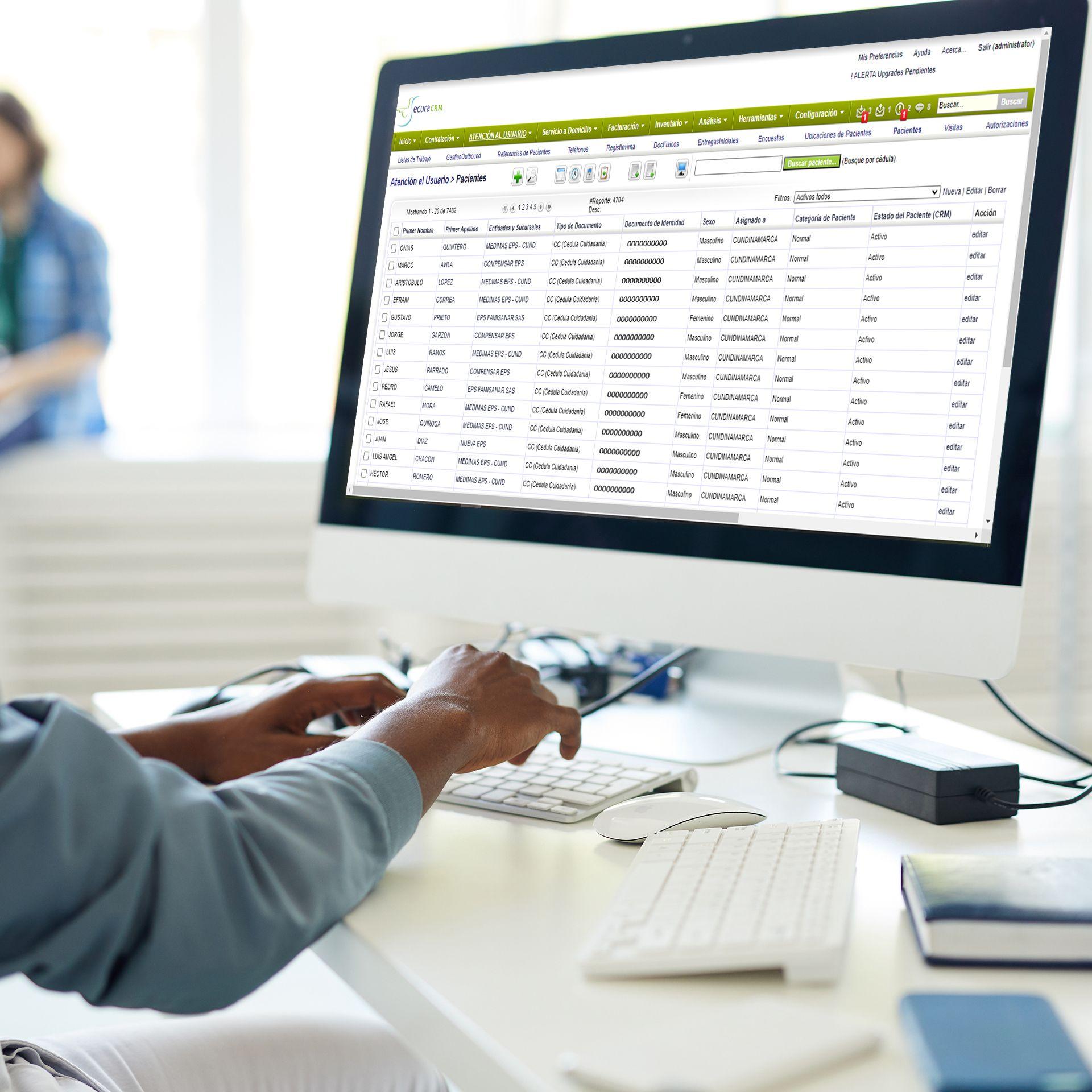 Una muestra de cómo de vería un CRM en una pantalla de escritorio